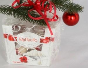 Raffaello С Рождеством